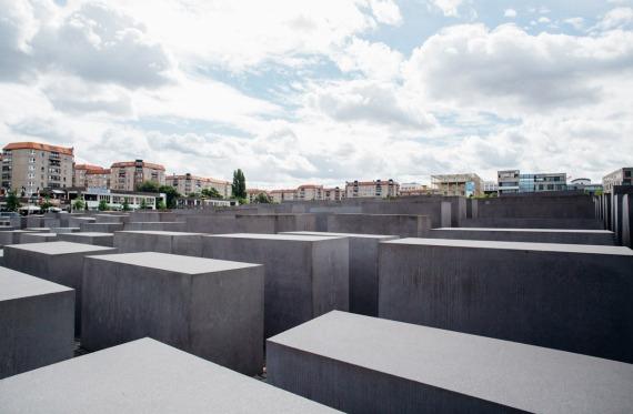 Saksa-Berliini-Holokaustin-muistomerkki-IK